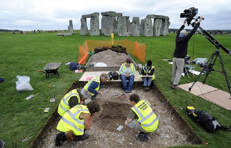 UK: Stonehenge may have served as a cremation cemetery