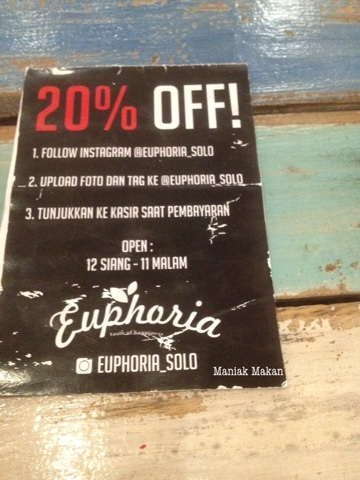 maniak-makan-euphoria-cafe-solo-promo