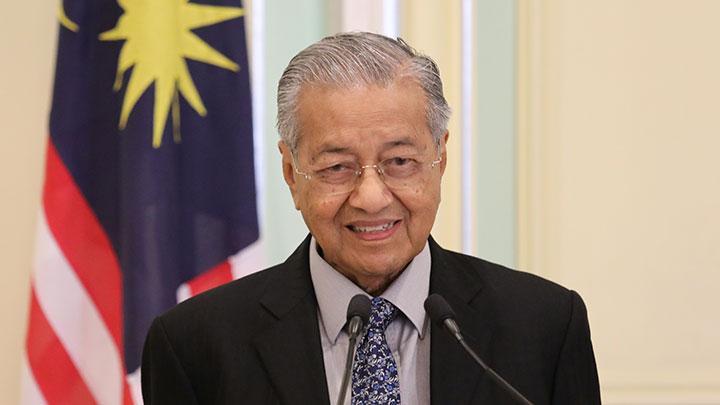 Raja Malaysia Cabut 26 Jabatan Menteri Setelah Mahathir Mundur