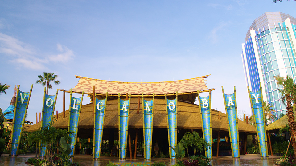 14 Volcano Bay Entrance Low Res tcm70 62527