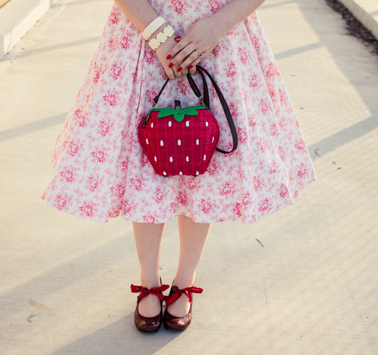 Collectif's Strawberry Wicker Purse | Lavender & Twill