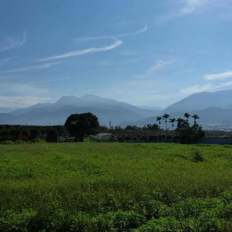 Puli  en passant , entre autres, par les villages de l ethnie Bunum de Loloko et Dili. J 10 - P1160737.JPG