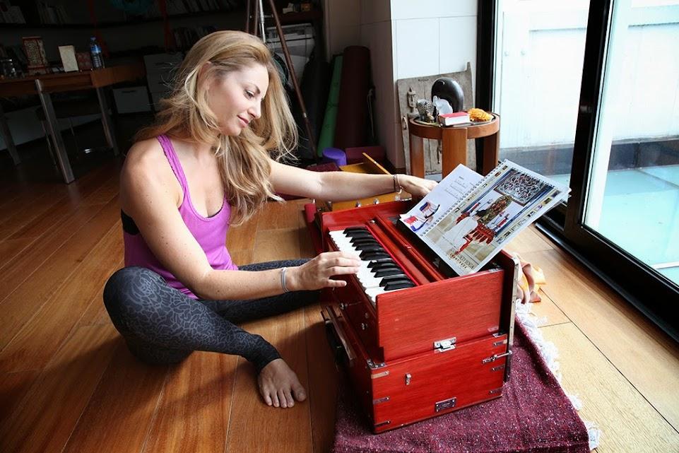 Sandrine Kamhi Playing Harmonium
