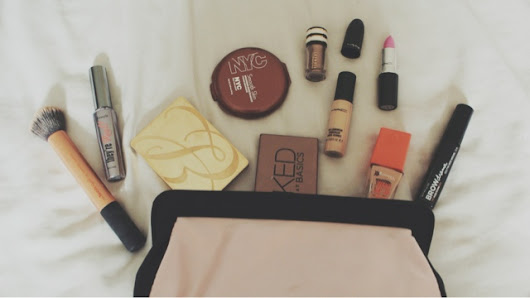 Charrlottelouise - fashion, beauty and lifestyle: Currently in my makeup bag.