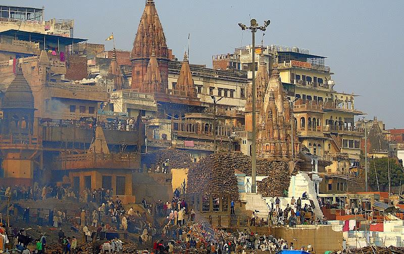 #Varanasiburningghats #Uttarpradeshtourism #travelblog