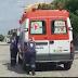 Funcionários empurram ambulância quebrada até a base do Samu em Mossoró