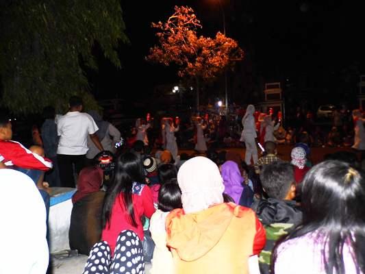 Kabar Ngawi: Shalat Idul Adha 1436 Hijriah di kabupaten Ngawi dilaksanakan di Alun-alun denagn imam KH. Samsudin Mustaqim