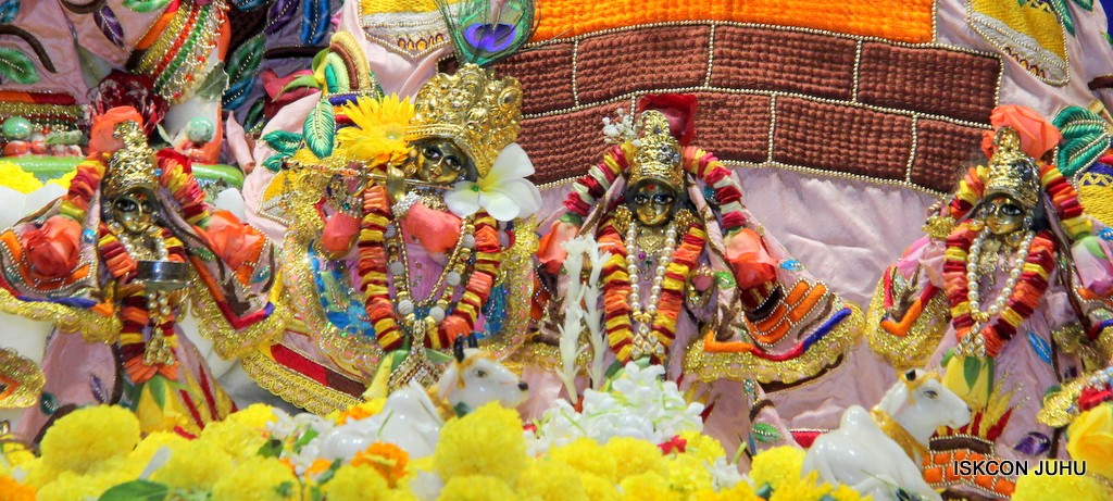 ISKCON Juhu Sringar Deity Darshan 10 Jan 2017 (38)
