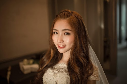 very pretty bridal makeup