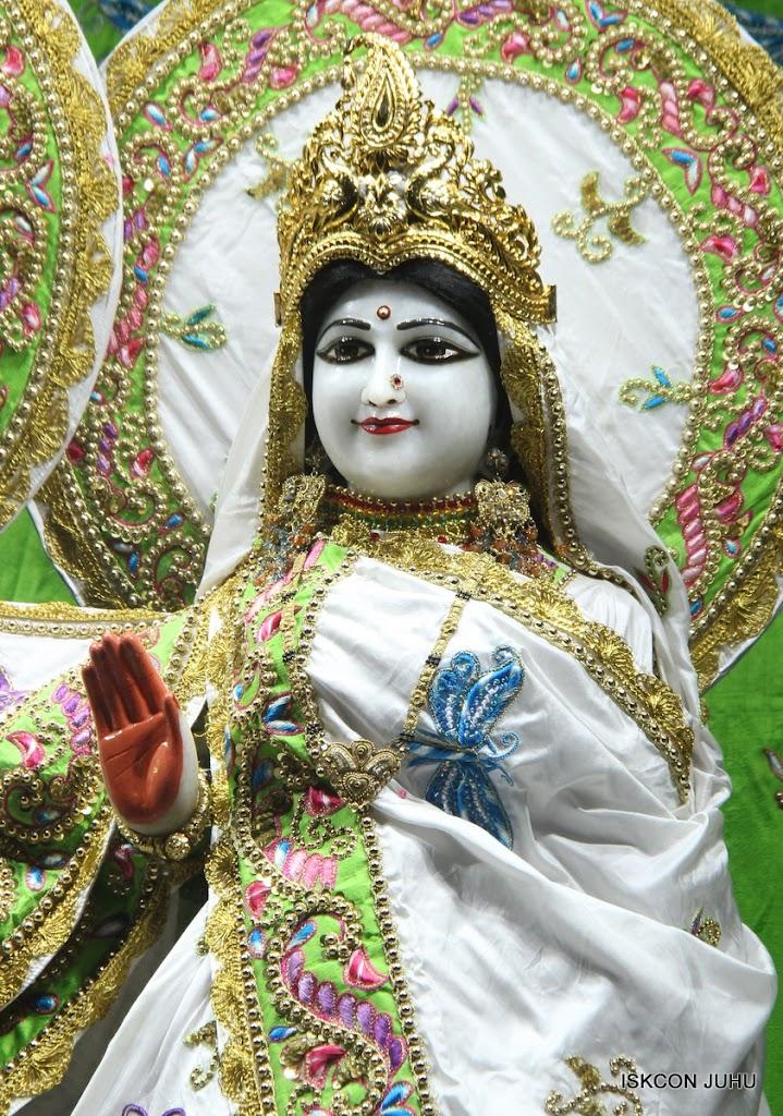 ISKCON Juhu Mangal Deity Darshan on 4th June 2016 (16)