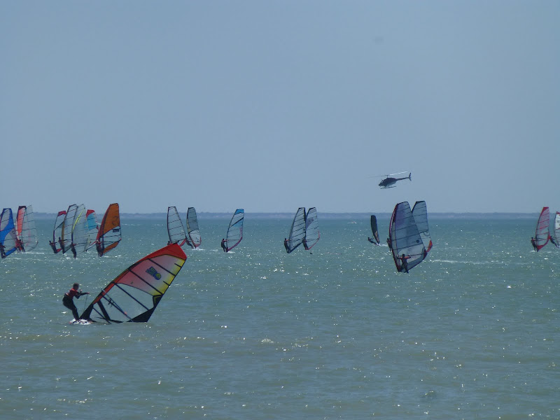 Les Samedis 6 et Dimanche 7 Juillet - 30ème Raid WindSurf LA TRANCHE / ILE DE RE - Page 2 P1010933