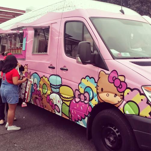 Hello Kitty Cafe (food truck)