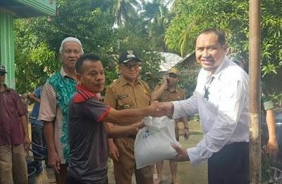 Ringankan Beban Korban Banjir, UPZ Bank Kalsel Berikan Paket Sembako