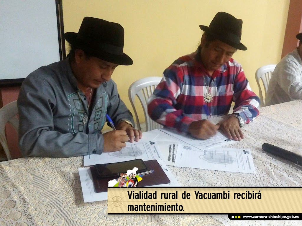 VIALIDAD RURAL DE YACUAMBI RECIBIRÁ MANTENIMIENTO CON APOYO DE LA PREFECTURA.