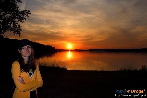 Zachód słońca nad Jeziorem Wielewskim