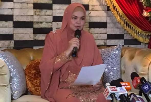 [TERKINI] Sah! Datuk Siti Nurhaliza hamil empat bulan. Tahniah Datuk Siti Nurhaliza & Datuk Seri Mohamad Khalid Jiwa!