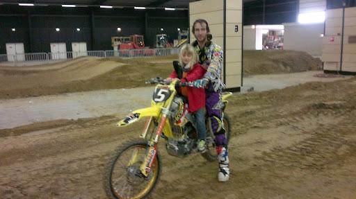 Samen op de motor met Mike Kras in Zuidbroek supercross 2011
