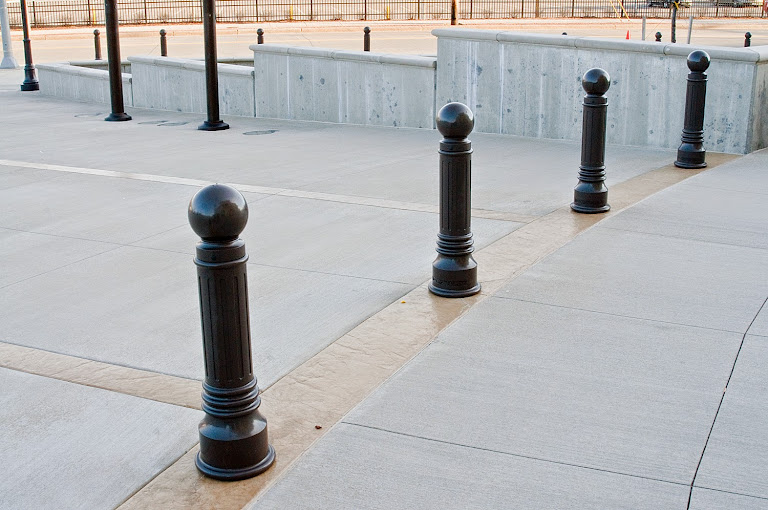 landscape bollards | outdoor landscaping bollards