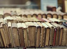 Скажи, як ти розставляєш книги на полиці, і я скажу хто ти