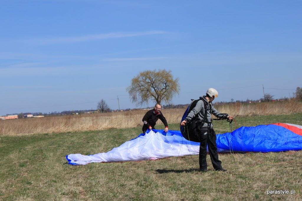Szkolenia paralotniowe Luty-Kwiecień 2012 - IMG_1697.JPG