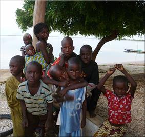 Niños en el campement