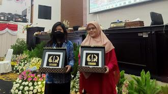 Dua Srikandi Pendidikan Kesetaraan PKBM Assolahiyah Ini, Banjir Penghargaan di HUT Karawang 388