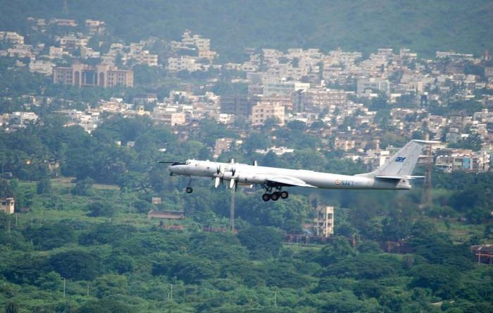 Tu-142 - Maritime Aircraft - Indian Navy - 03 - TN