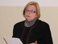 04 Dr. Várfalvi Marianna védőnő, szülésznő előadásában a család születéséről szólt..jpg