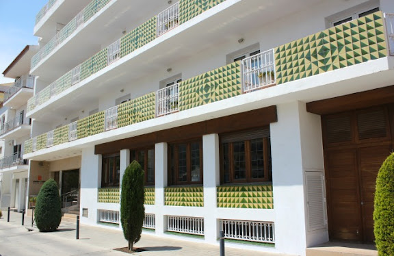 Façana Hotel Santa Anna.jpg