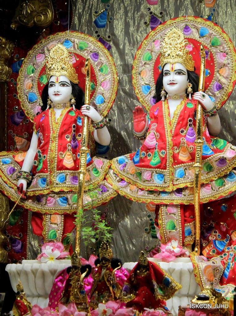ISKCON Juhu Mangal Deity Darshan on 28th Aug 2016 (6)