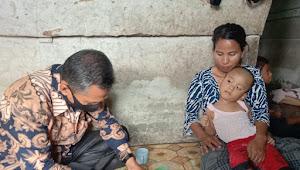 Baznas Muarojambi Beri Bantuan Untuk Sival, Balita Lumpuh Otak di Sekernan