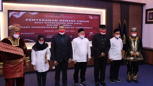 547 WBP Lapas Padang Peroleh Remisi, Gubernur: Remisi Bisa Atasi Over Kapasitas