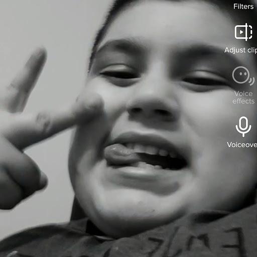 user Mauricio Chavez apkdeer profile image