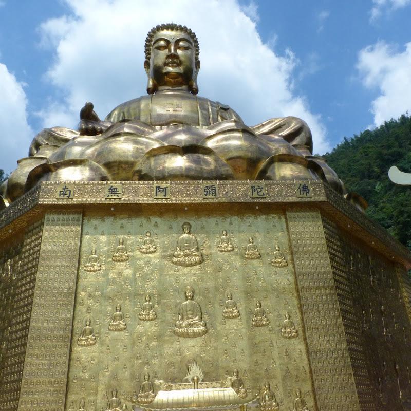 Puli. Divers et Golden Buddha.J 12 - P1170619.JPG