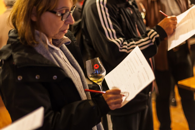 2015, dégustation comparative des chardonnay et chenin 2014. guimbelot.com - 2015-11-21%2BGuimbelot%2Bd%25C3%25A9gustation%2Bcomparatve%2Bdes%2BChardonais%2Bet%2Bdes%2BChenins%2B2014.-126.jpg