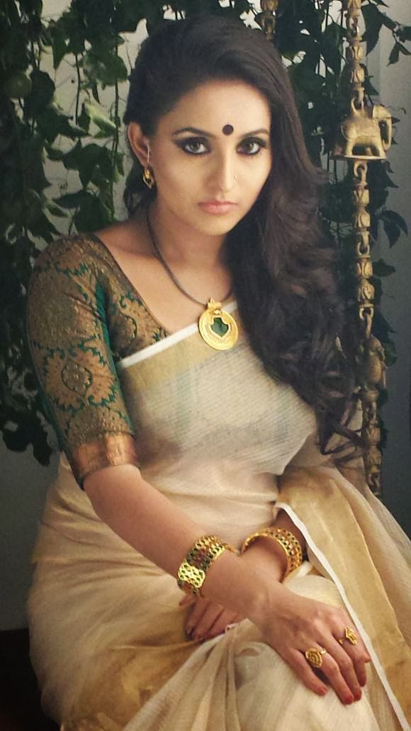 Malayalam actress bhama hot private photos