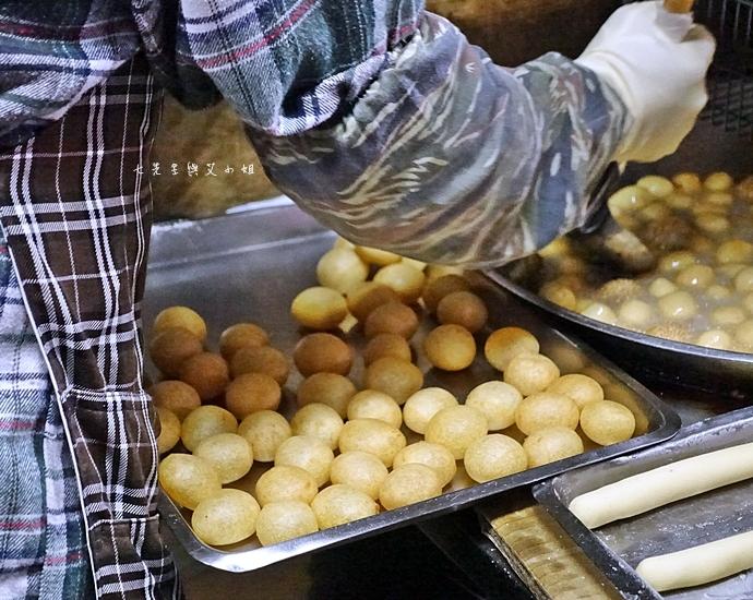 7 新莊公園建豐街 QQ蛋 芝麻球 新莊美食