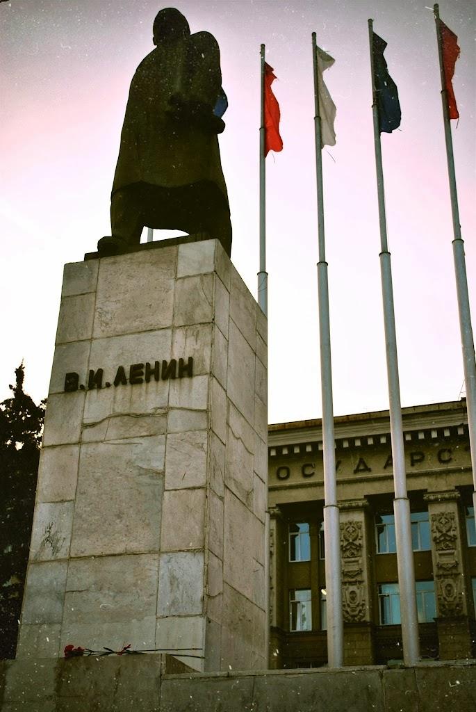 В И Ленину
