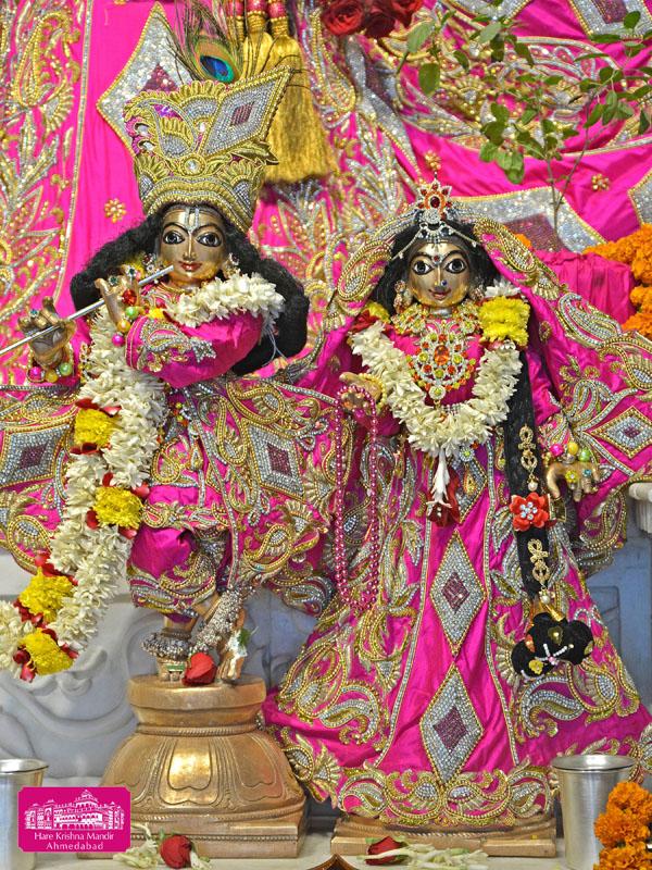 ISKCON Hare Krishna mandir Ahmedabad 04 Jan 2017 (7)