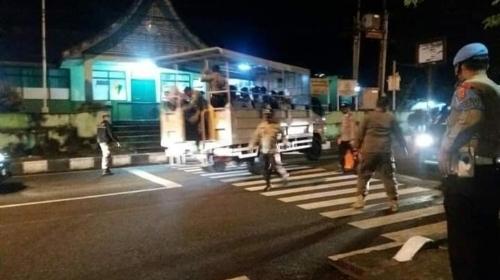 Siang Malam, Satpol PP dan Polres Razia Pelanggar Prokes