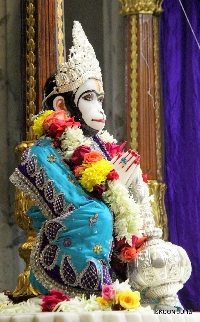 ISKCON Juhu Sringar Deity Darshan 17 Aug 2016 (15)