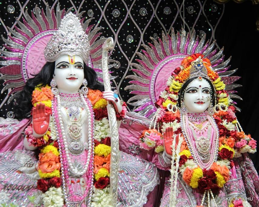 ISKCON Juhu Sringar Deity Darshan 05 Mar 2016 (25)