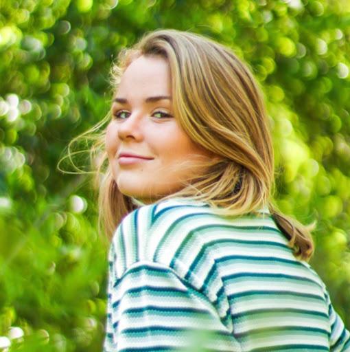 Anna Sun Photo 25