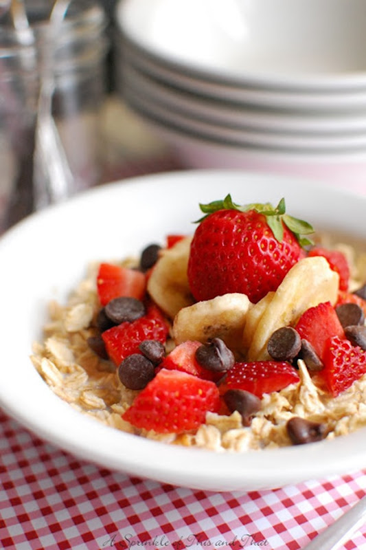 banana split oatmeal bowl-003