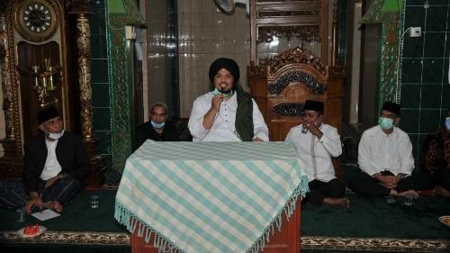 Gubernur Mahyeldi Ajak Ustadz Derry Sulaiman Safari Ramadan Bersama.