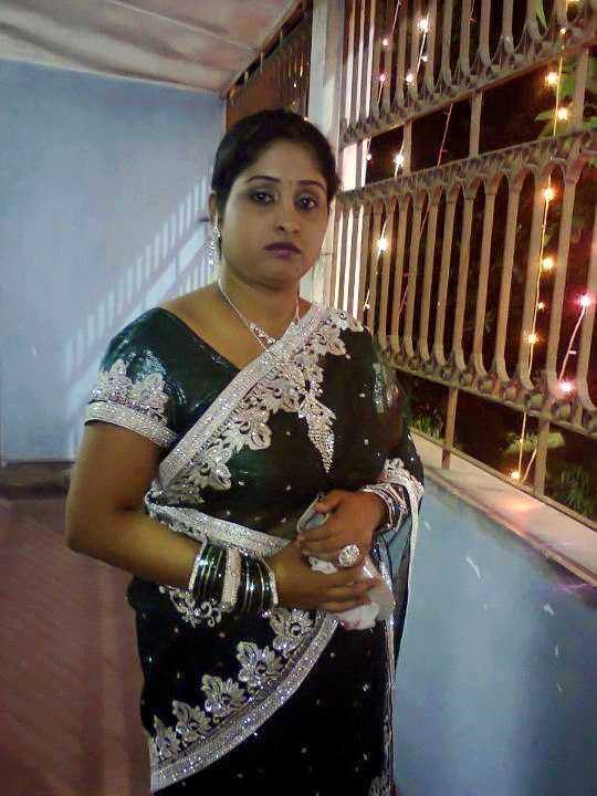 Indian housewife pictures