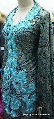 Model Kebaya Batik Blue