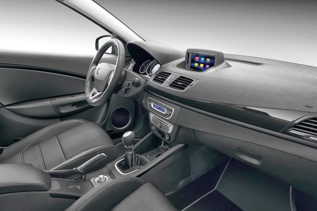 2014-Renault-Megane-CC-6