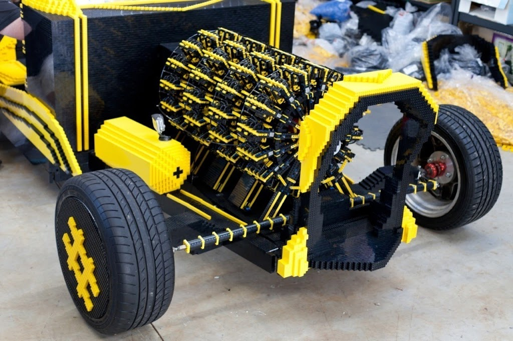 Super Awesome Micro Project Lego Car 03