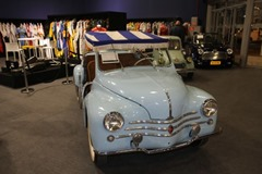 103 Renault 4 CV R1062 Beach